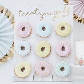 Mur de Donuts Treat Yourself