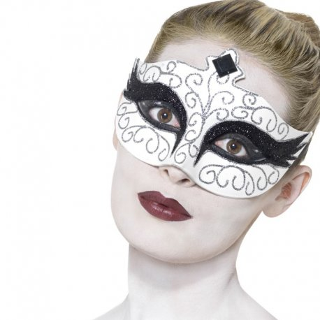 Masque De Cygne